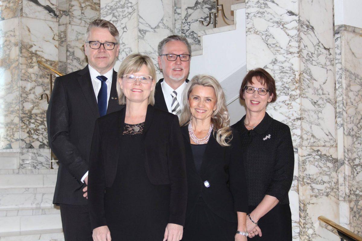 KD eduskuntaryhmä, kuva: Jukka Salmi